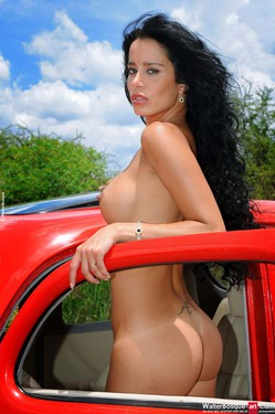 Photo #9 of 15+ | Latin Babes Natasha Coupe Two